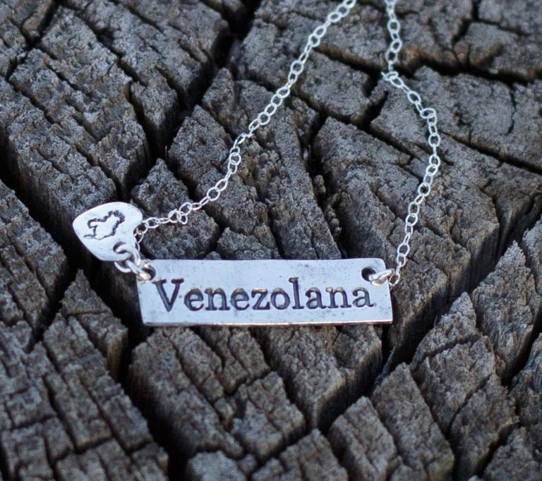 Cadena Venezolana de Plata con Dije