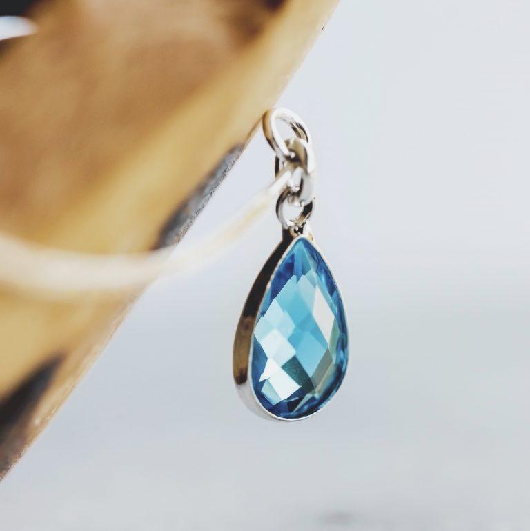 Aretes de Plata con Cristales de Cuarzo Color Aqua